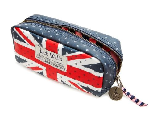 Oi! This is LOVELY... The Tyndale Makeup Bag