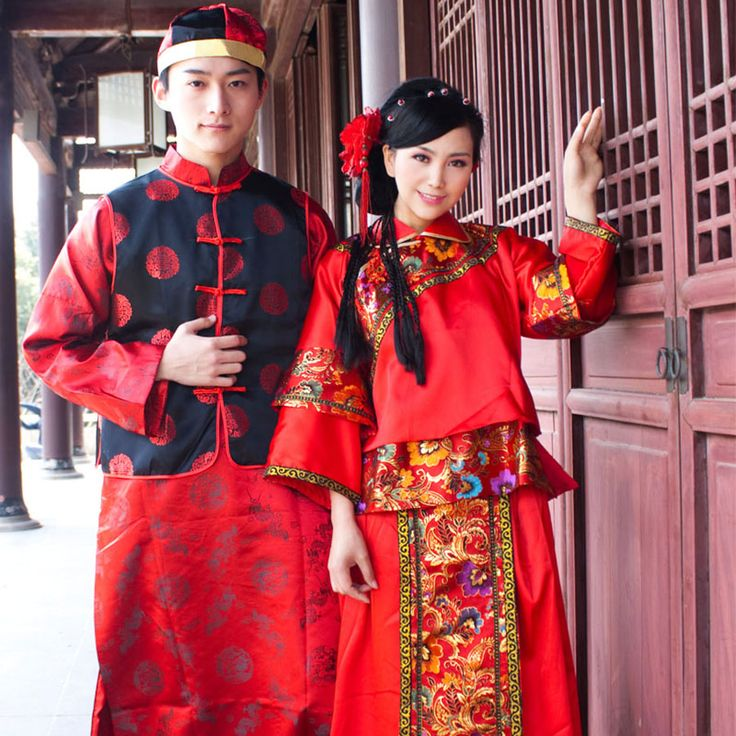 Chinese traditional costumes in Red.