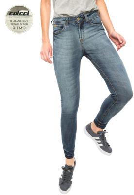 Calça Jeans Colcci EXTREME Skinny Bia Azul, com lavagem estonada, pespontos aparentes, tag metalizada da marca, cinco bolsos e cinco passantes no cós. Modelagem skinny e fechamento por botão e zíper. Possui Extreme Power: Elasticidade surpreentende, extrema flexibilidade e tecnologia de alta performance dão vida a uma das linhas mais inovadoras da Colcci. Um jeans que inspira uma busca incansãvel por conforto e dinâmica, retratando um lifestyle moderno e ativo, com movimentos sem restrições…