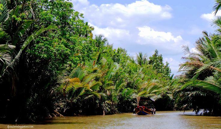 In barca nel delta del Mekong.