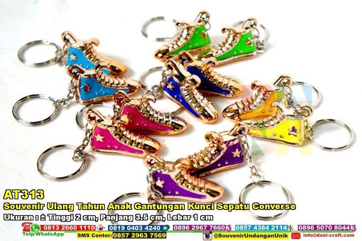 Souvenir Ulang Tahun Anak Gantungan Kunci Sepatu Converse Hub: 0895-2604-5767 (Telp/WA)#SouvenirUlangTahunAnakGantunganKunciSepatuConverse #souvenir #souvenirPernikahan