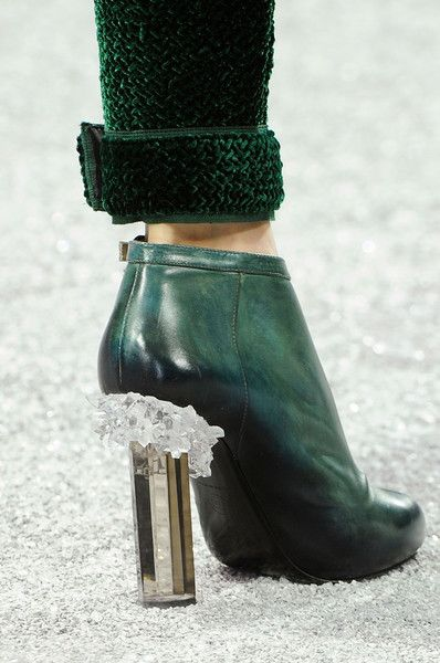 Love the dark green - Hunter color and the crystal chips are a great DIY! ~ Chanel Fall 2012 ~*