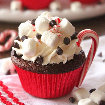 Hot Cocoa Cupcakes so making these during christmas