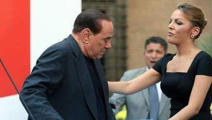 28-jarige vriendin wil met Berlusconi (77) trouwen