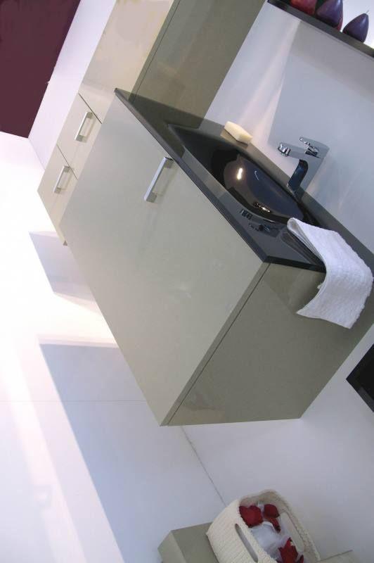 Κρεμαστό έπιπλο μπάνιου με γυάλινο μαυρο νιπτήρα!