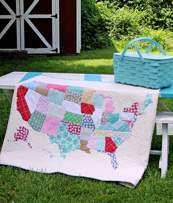 U.S. Map Quilt Tutorial | Let's make a U.S. Map Quilt together! Flamingo Toes Blog shows us how to make an amazing quilt featuring a map of the U.S.. Come get inspired with us today!                      fabric.com Blog