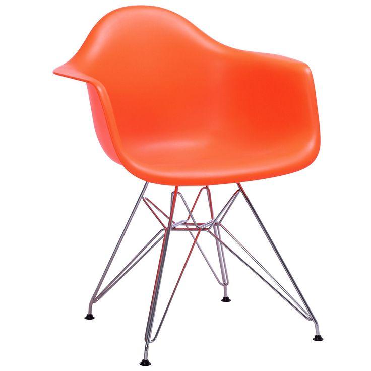 Ein Design-Klassiker in den originellsten Farben. Hochqualitativer Sessel mit Sitz aus POLYPROPYLEN in matter Lack-Ausführung. Beine und Gestell aus verstärktem Chrom-Metall. Verfügbar in verschiedenen Farben, um mit dem Sessel dein Mobiliar und Dekoration in Heim oder Büro zu kombinieren.
