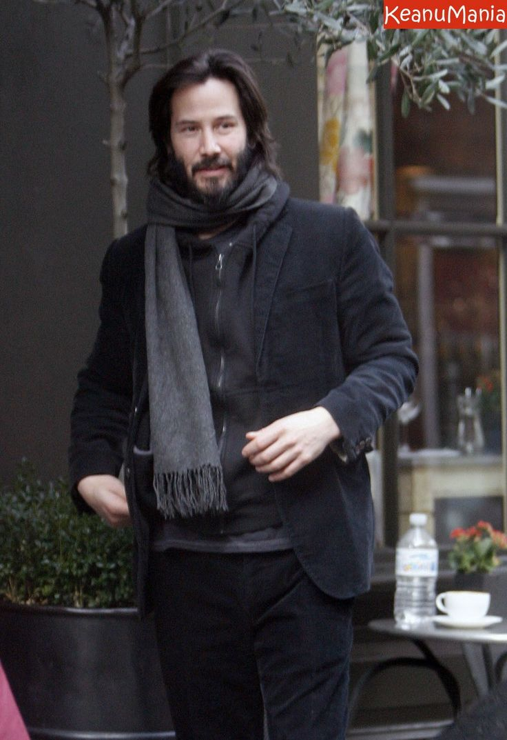Keanu - that ring finger looks so bare without me. Get that thing over here will ya! Bring the rest of you too. ( billy wants a little sister btw. topic of discussion as we watch old Andy Griffith shows ) 1/19/15