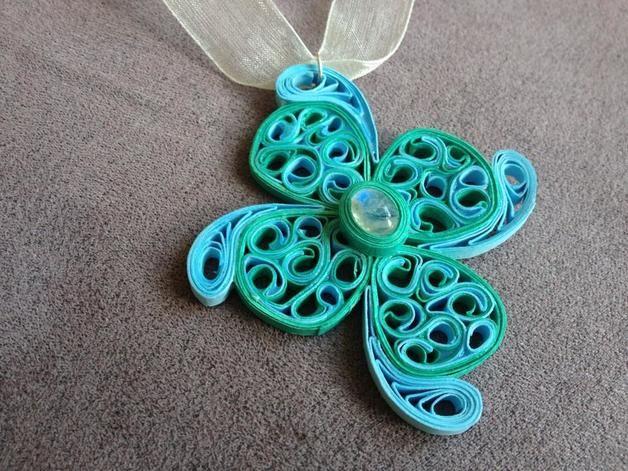 Amuleti - Ciondolo di carta - un prodotto unico di viktorrya su DaWanda