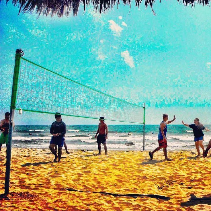 Who is in for a #beachvolleyball game? / Quién se anima a un juego de #voleibol? #UnlimitedVacationClub #DreamsVillamagna #DreamsResorts #Mexico #instatravel #picoftheday #beach #volleyball #ajugar #letsplay #fun #familyvacation #behere #traveltheworld #time2live #beachvacation #travel #IloveUVC #Repost  @mamaloves2travel