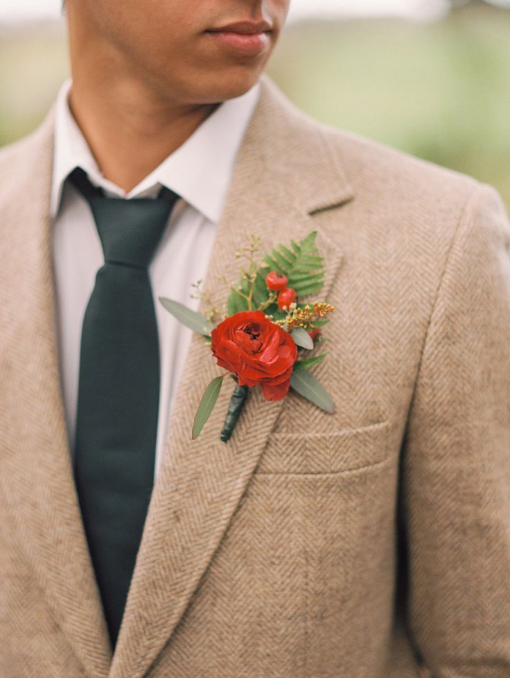 Fall groom style, brown tweed jacket, red ranunculus, hypericum berries, boutonniere // Abigail Malone Photography
