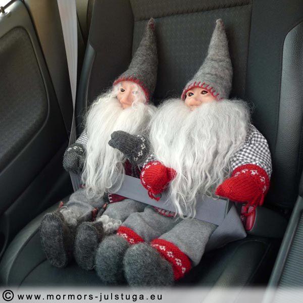 Unik handgjord tomte och vätte på bilresa. Unique handmade swedish gnome in a car.