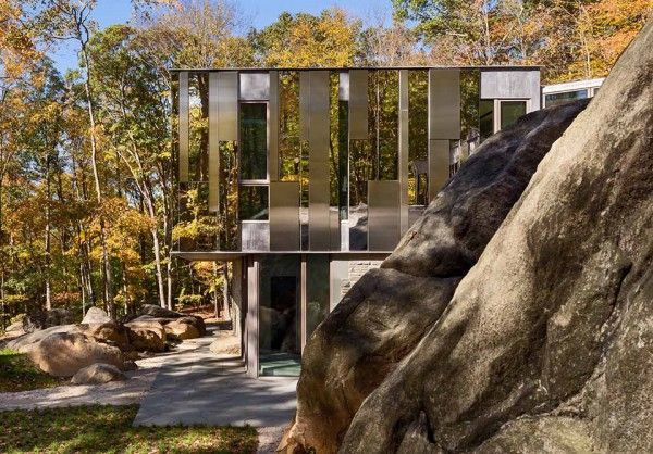 Pound Ridge House by Kieran Timberlake 2, mirrors to hide the house, nice