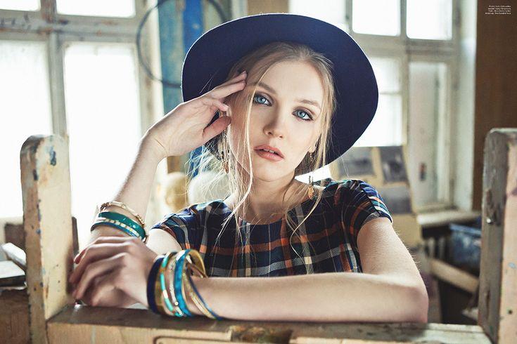 Lookbook GrandUA Muza 2016 !  Najnowsze trendy, najmodniejsze ciuchy !  Zajrzyj na thecovershop.pl do katalogu 'Lookbook'  #lookbook #modadamska #koszulawkrate #koszula #damska #kapelusz #modajesienna
