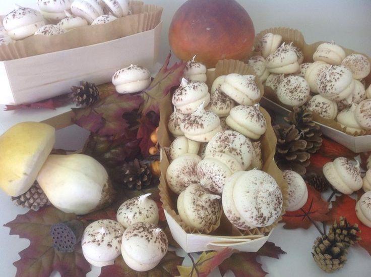 """les """"champignons"""" de la boulangerie Jean-luc Bourneuf... Miam miam !!"""