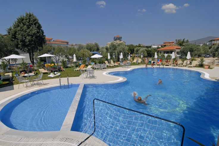 The hotel pool is of fresh water and has a beautiful Fjord shape . The use of the Jacuzzi is free. Also available for a small fee are towels for the pool and the beach.