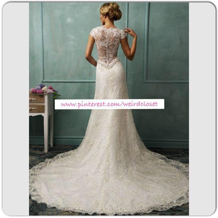 Mooie bruidsjurk van kant met sleep trouwjurk rug van kant