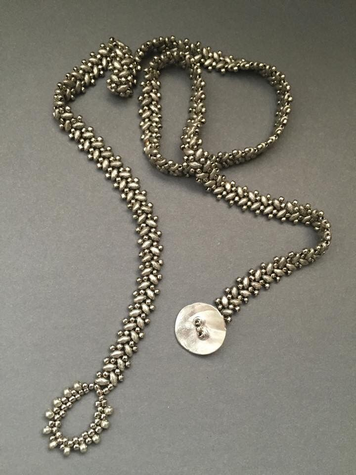 This is so pretty. The pattern would make a nice lariat necklace.