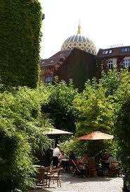 HOFJE | Heckmann Höfe  Groene oase van rust midden in de stad.    Adres: Oranienburger Str. 32