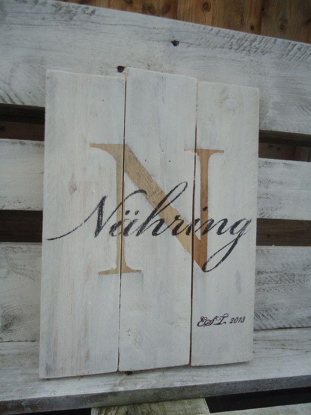 Ein tolles Geschenk zur Geburt, zur Hochzeit oder  für die eigene Deko zu Haus.  Diese Schild wird individuell für Dich hergestellt.  Dabei ist es möglich den Buchstaben in einer anderen Farbe zu...