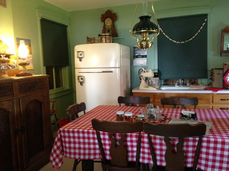 61 best Amish Kitchens & Homes images on Pinterest | Amish country ...