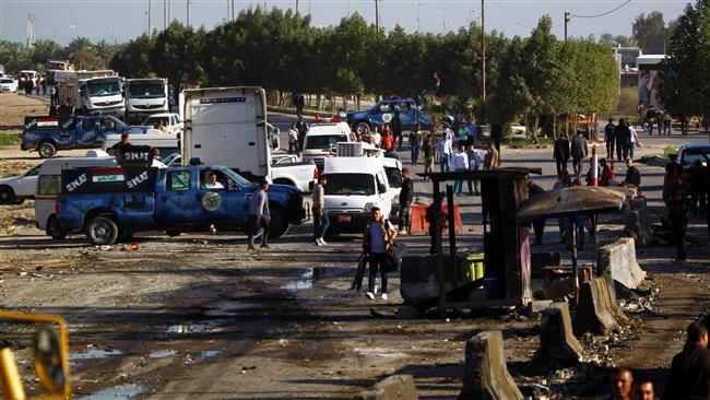 KIBLAT.NET, Baghdad – Serangan bom mobil kembali guncang ibukota Iraq, Baghdad yang menargetkanpasukan keamanan Iraq. Pada Sabtu (23/04) sumber kepolisian setempat mengkonfirmasikan bahwa bom mobil ini telah menewaskan 12 orang di dua daerah berbeda. Kantor berita ISIS, Amaq juga melaporkanbahwa para militan telah menyerang sebuah pos pemeriksaan keamanan di distrik al-Husseiniyah utara yang menewaskan sembilan …