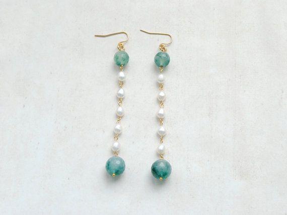 Green jade and white freshwater pearls earrings by elfinadesign