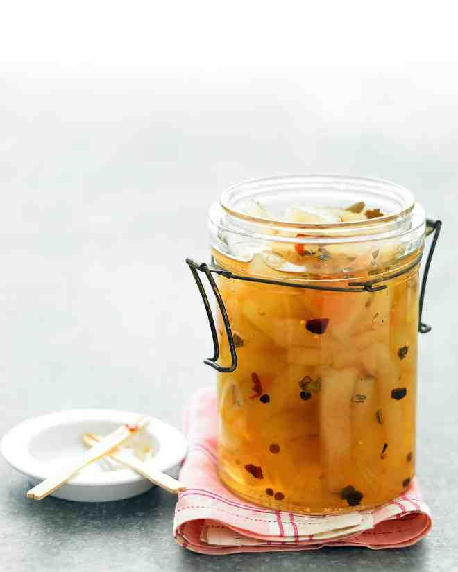 Serve this classic Southern favorite as an accompaniment to cheese and crackers, or enjoy it alongside a sandwich or hamburger.