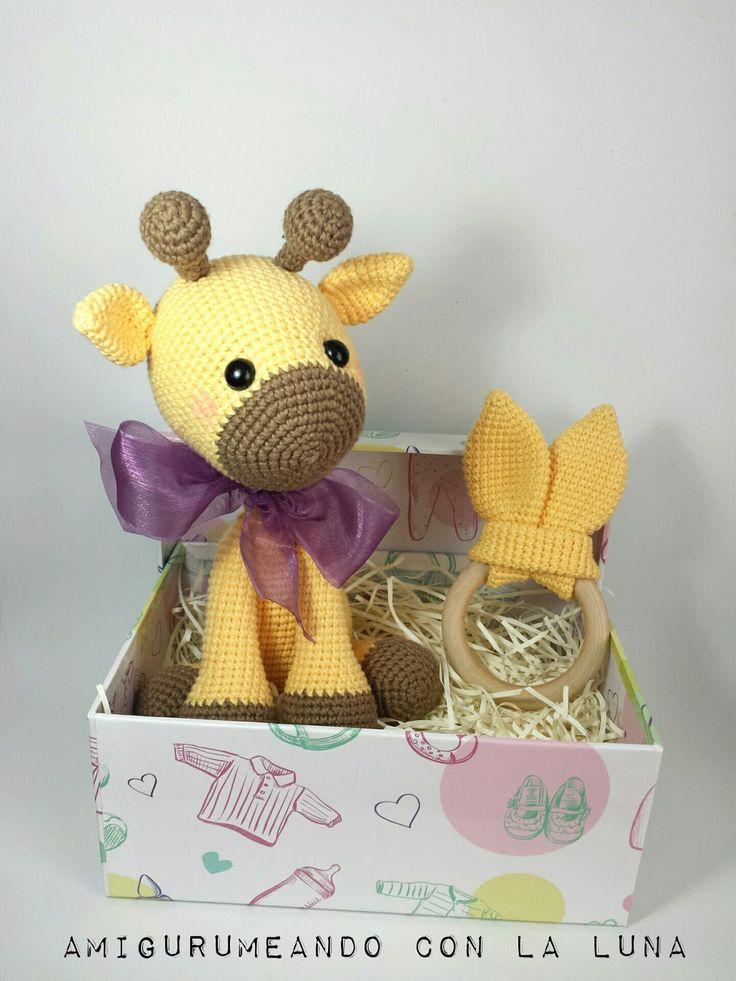 Últimamente lo más solicitado para los bebés han sido los Conejitos orejas largas , y no me extraña, es que son tan bonitos y dulces para l...