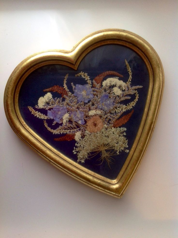 vintage wall decor pressed flowers dried flowers gilt frame gold heart
