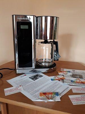 Letztens habe ich auf der Plattform Konsum Göttinen  einen super Test gewonnen. Ich darf die neue digitale Glas-Kaffeemaschine aus der Früh...