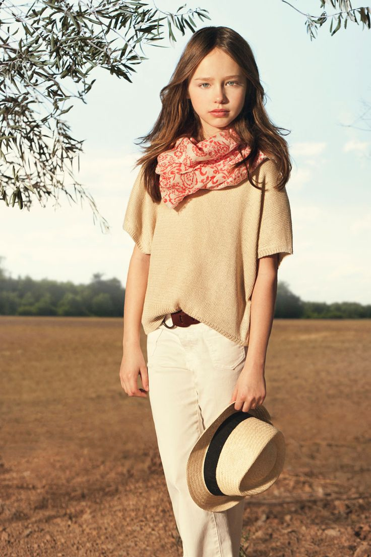Lookbook February www.massimodutti.com