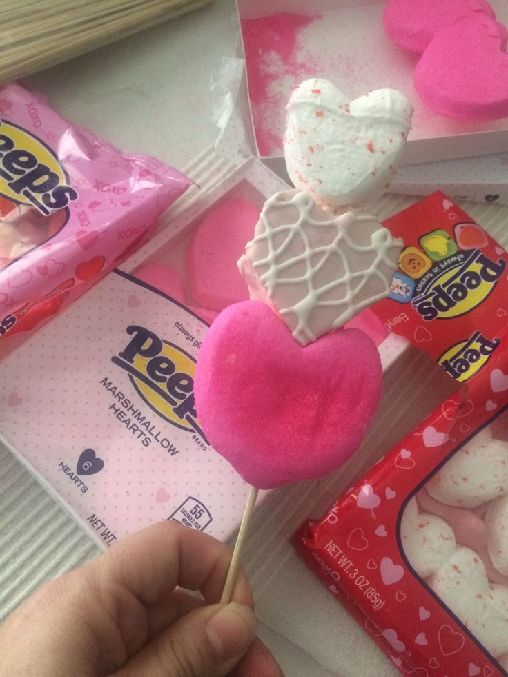 Valentines peeps all you need Peeps ,lil Debbie snacks hearts and bamboo skewers ❤️