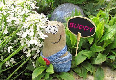 Das ist BUDDY! Mehr über ihn und seine Kumpels, die BUDDIES, gibt es auf: http://black-sheep-company.blogspot.de/2017/05/wir-sind-total-aus-dem-hauschen.html