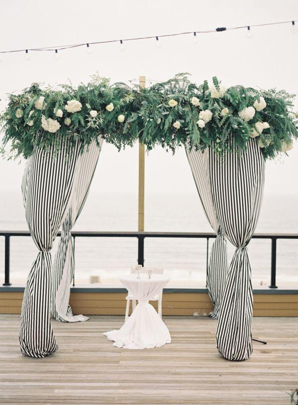 Modern + Chic Al Fresco Hamptons Wedding – Style Me Pretty