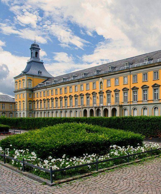 University of Bonn, North Rhine-Westphalia, Germany | by Ralf Farwick