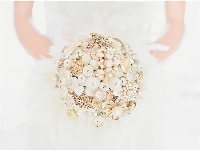 White button wedding bouquet #wedding