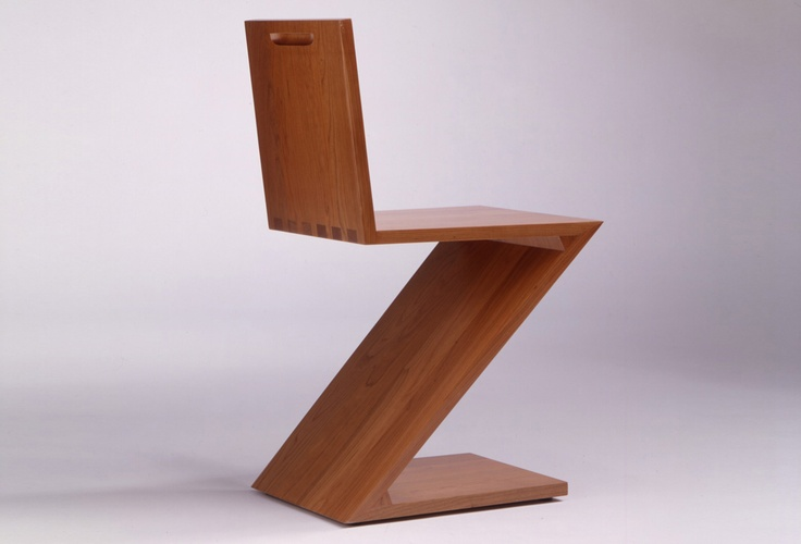 Zigzag was designed by Dutch designer, architect and craftsman Gerrit Rietveld in 1932