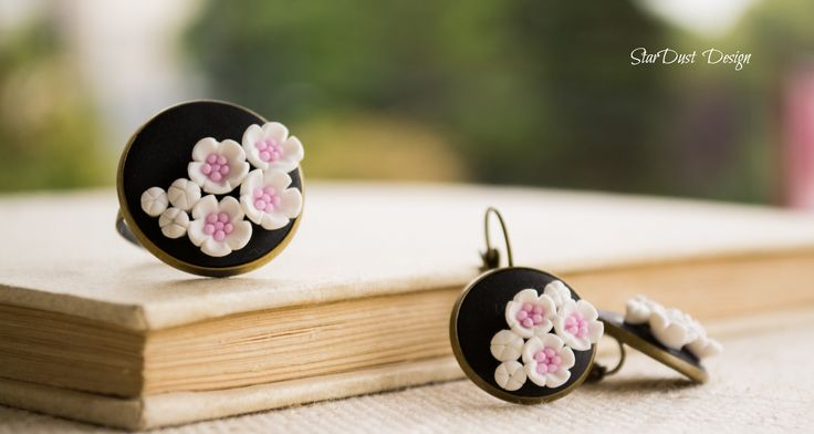 polymer clay flowers, polymer clay jawelry https://www.facebook.com/photo.php?fbid=553936401320080&set=a.326323457414710.70575.326303367416719&type=1&theater