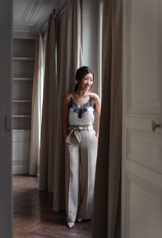 classy parisian style in ann taylor pants // extra petite fashion blog