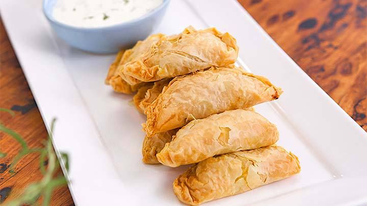 Spiced Chicken Curry Puffs with Minted Yoghurt Sauce