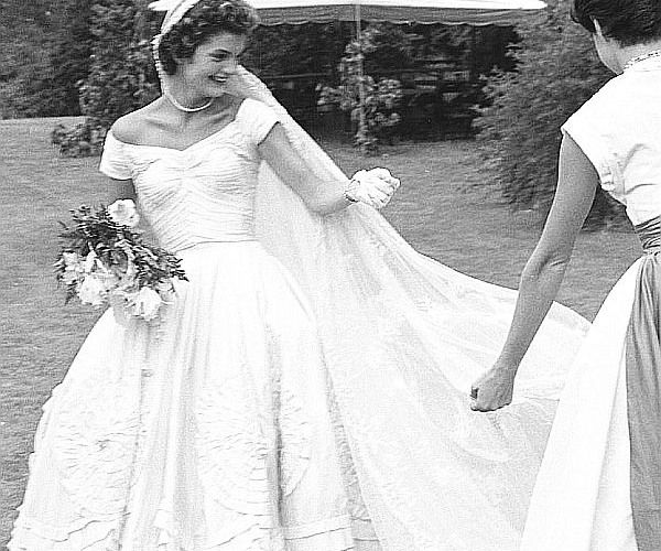 Jacqueline Kennedy Wedding Gown: 251 Best Beautiful Wedding Dresses Images On Pinterest
