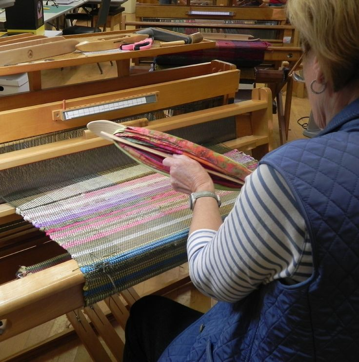 Using Bali Pops Fabric To Weave A Rag Rug In Deb Sharpee's