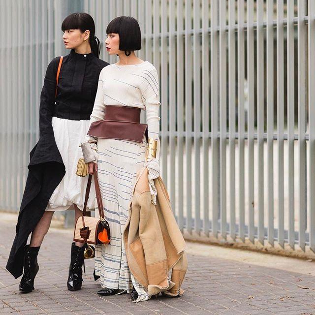 KOZUE & MLLE YULIA. @Akimoto_Kozue & @Mademoiselle_Yulia wearing @Loewe during #PFW #FW17 live on: www.jaiperdumaveste.com #Jaiperdumaveste #JPMV #NabileQuenum #StreetStyle #Fashion #FashionWeek #Loewe #KozueAkimoto #MlleYulia #YuliaMademo