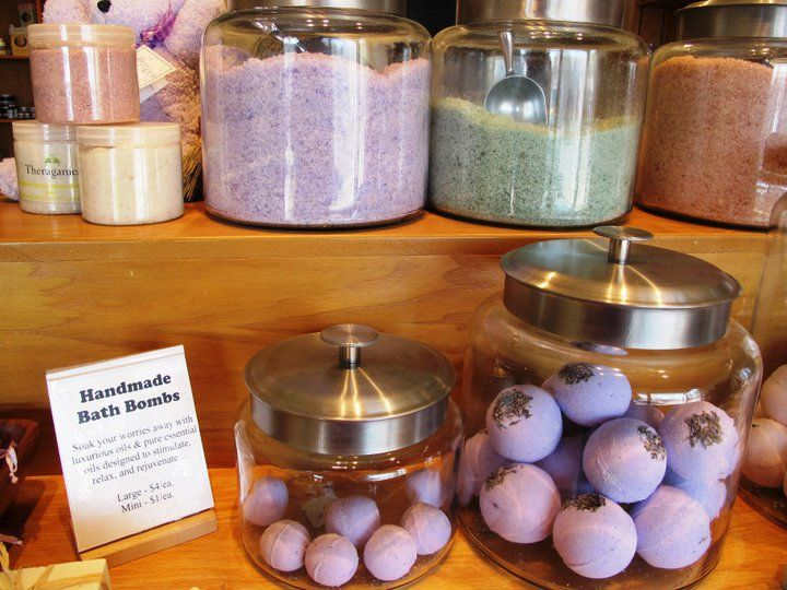 how to make a display for bath bombs