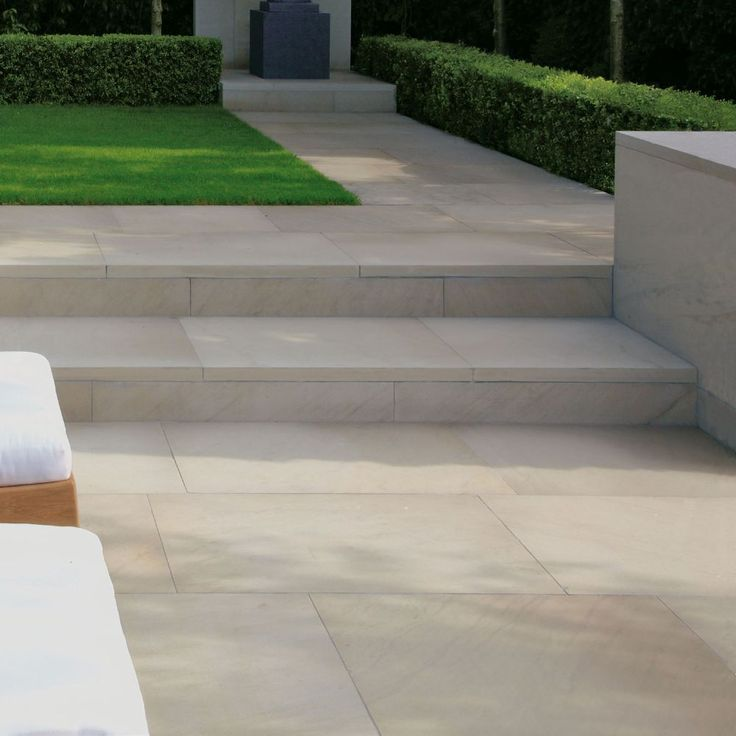 Stonemarket Paving-Yorkstone-Cromwell-PAVING SLABS SINGLE SIZE OPTIONS