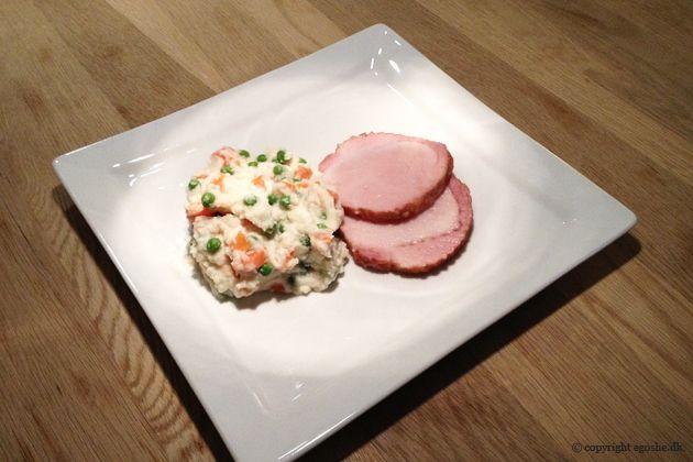 EGOSHE.dk - En madblog med South Beach opskrifter og andet godt...: Kogt hamburgerryg med selleri-grønærter