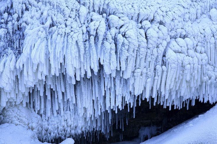 Chute Kabir Kouba Fall, Quebec, Canada  Photo : Mathieu Dupuis www.mathieudupuis.com    #wendake #quebec #canada #paysage #landscape #mathieudupuis #mathieudupuisphotographer #travel #voyage #travelphotographer