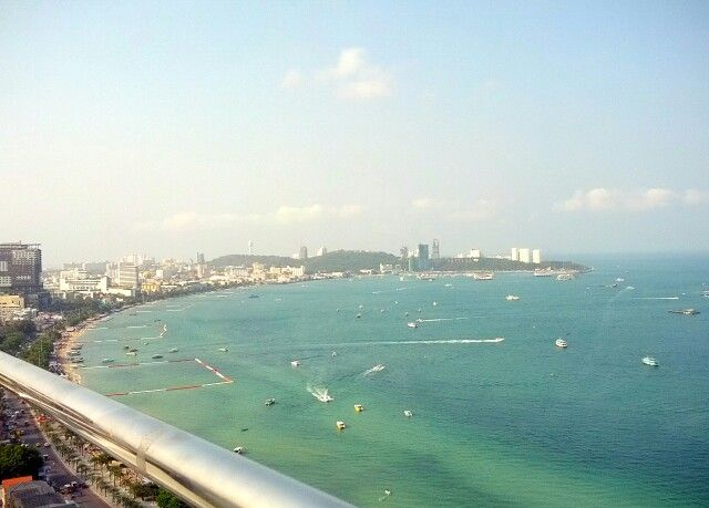 From the 27th floor my hotel at pattaya thailand...#pattaya #beach #thailand #morning