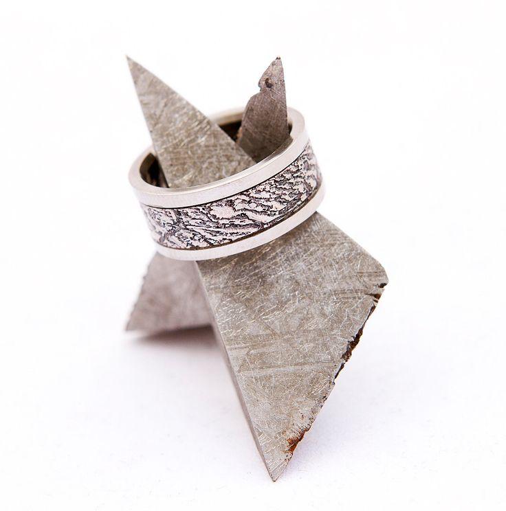 meteorite ring wedding band titanium with oxidized gibeon